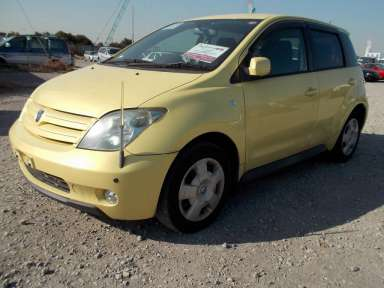 2004 AT Toyota IST NCP60