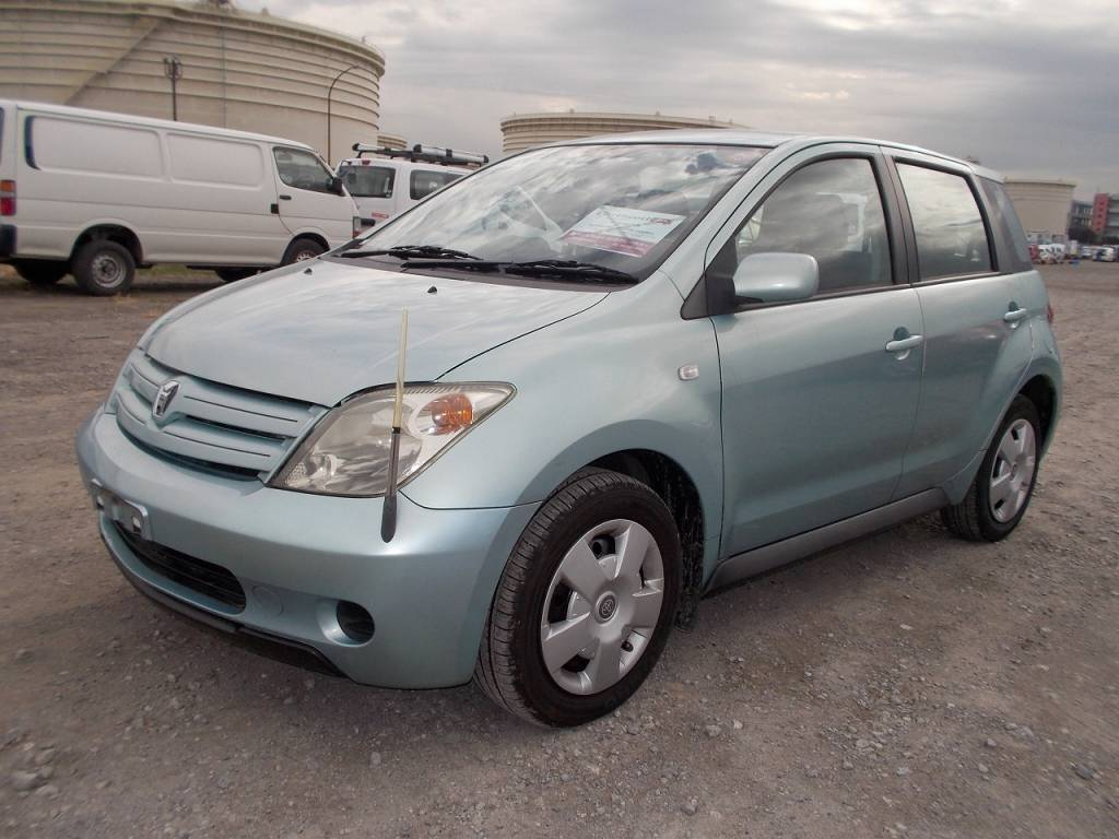 Used 2004 AT Toyota IST NCP60