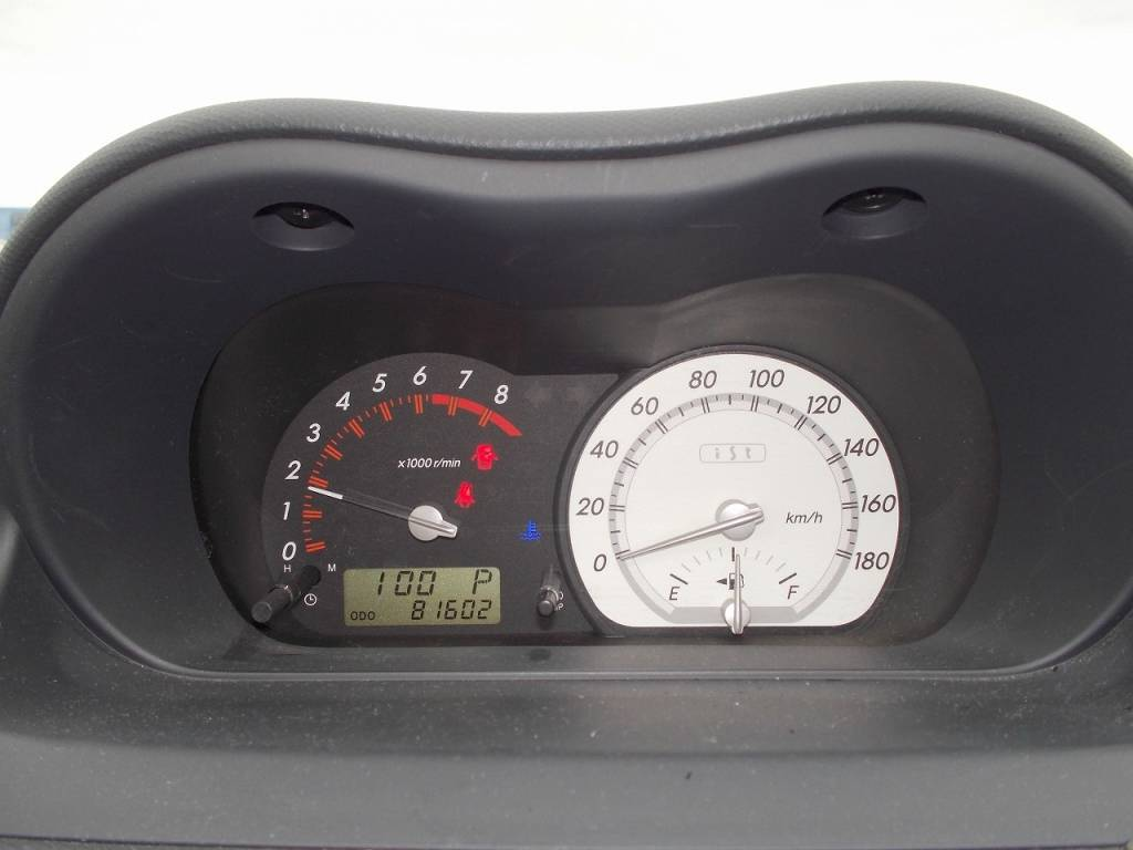 Used 2004 AT Toyota IST NCP60 Image[15]
