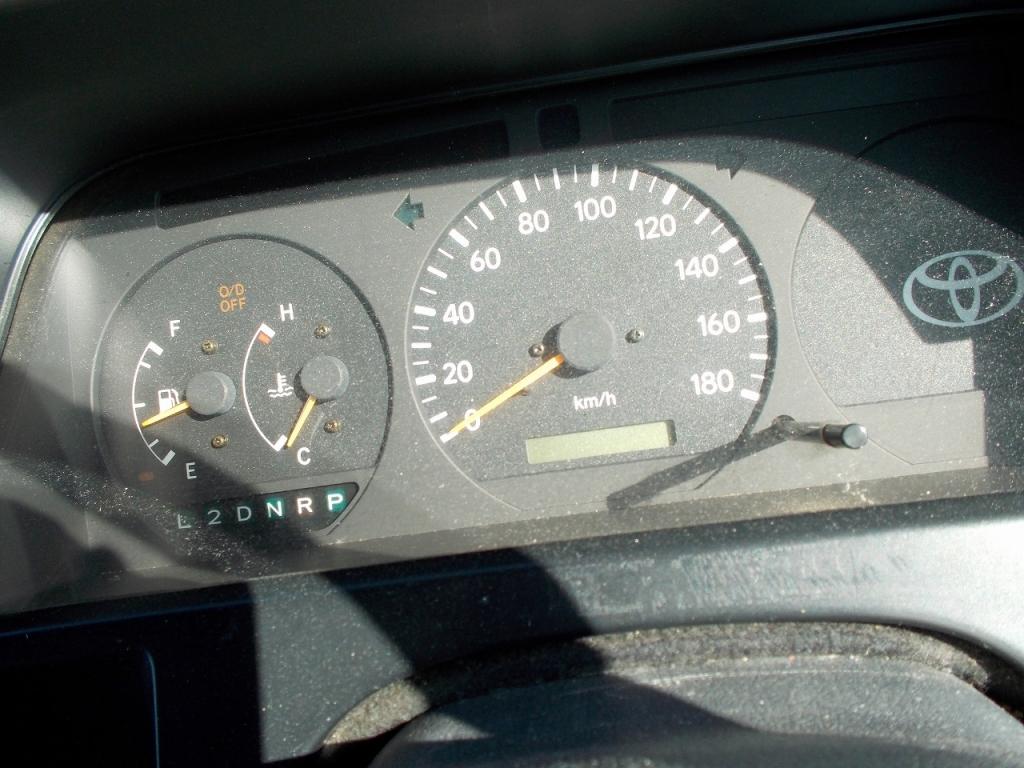 Used 2002 AT Toyota Hiace Van RZH112V Image[19]