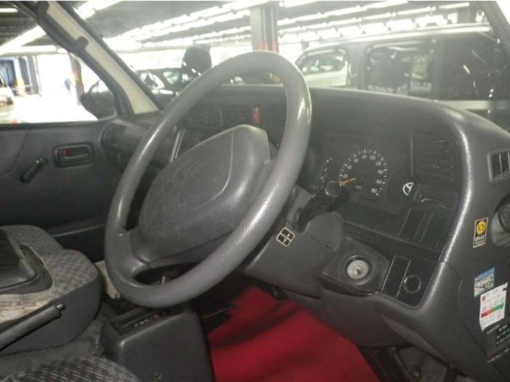Used 2000 AT Toyota Hiace Van RZH102V Image[2]
