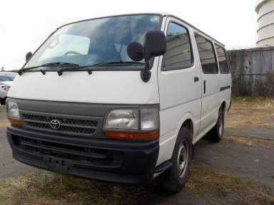 2000 MT Toyota Hiace Van RZH102V