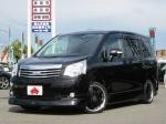 2011 CVT Toyota Noah DBA-ZRR70G