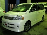 2007 AT Toyota Voxy DBA-AZR60G