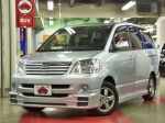 2004 AT Toyota Noah TA-AZR60G