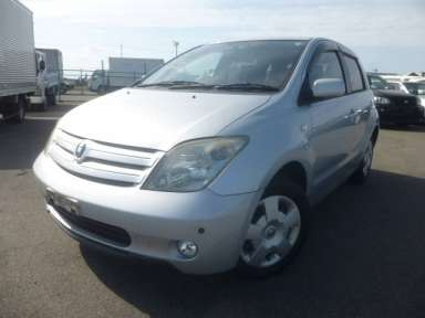 2005 AT Toyota IST NCP60