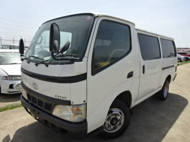 2004 MT Toyota Dyna Van BU306V