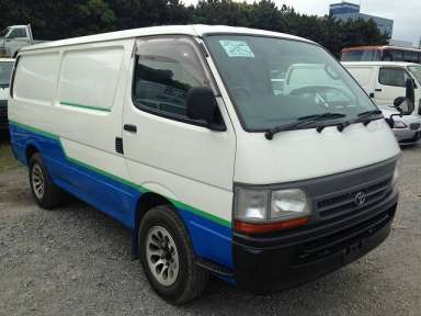 2003 AT Toyota Hiace Van RZH112V