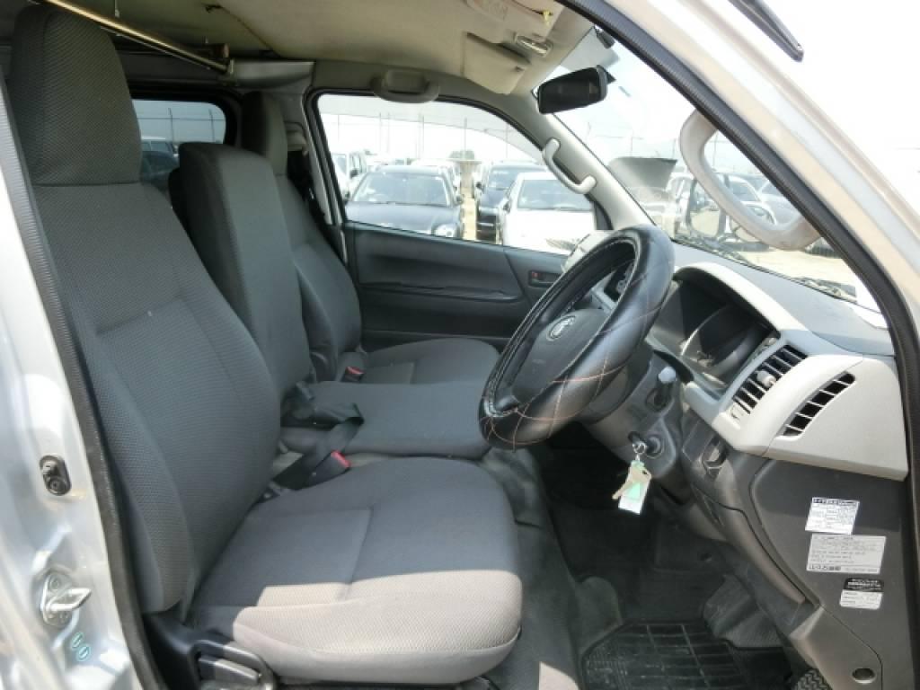 Used 2011 AT Toyota Hiace Van KDH201V Image[8]