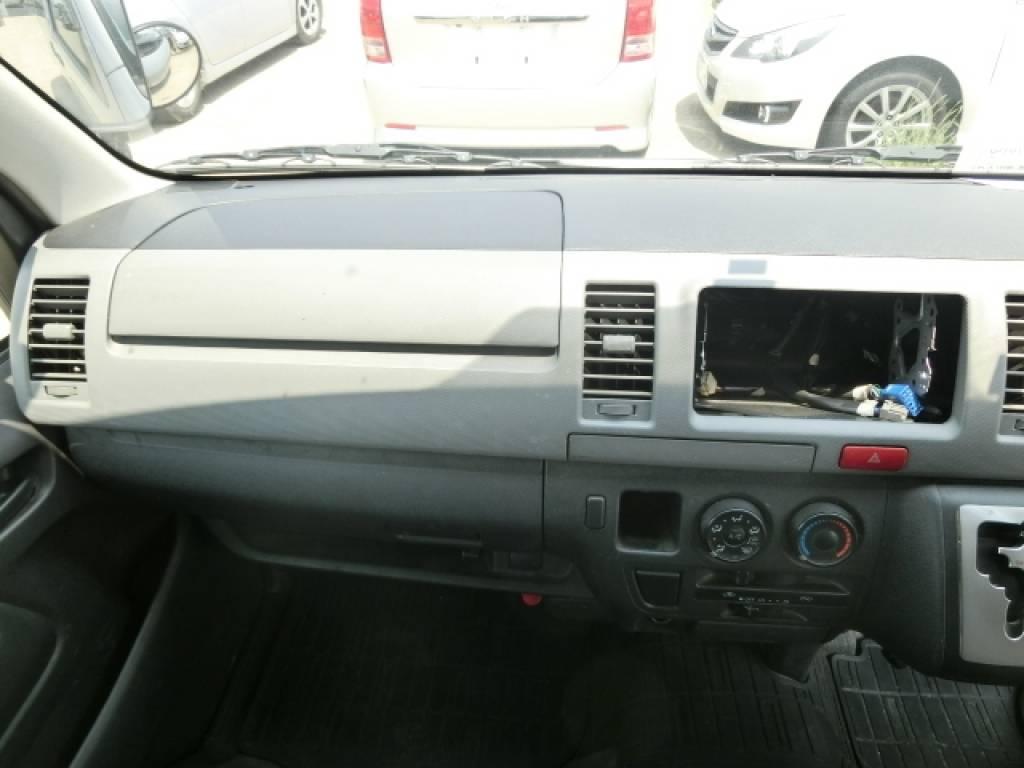 Used 2011 AT Toyota Hiace Van KDH201V Image[10]