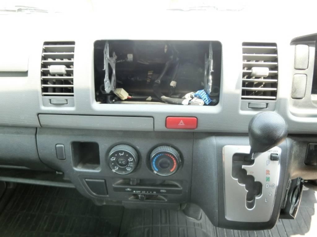 Used 2011 AT Toyota Hiace Van KDH201V Image[13]