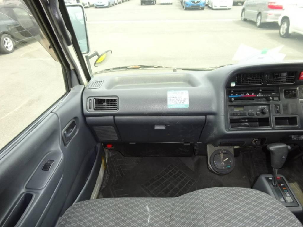 Used 2003 AT Toyota Regiusace Van RZH112V Image[12]