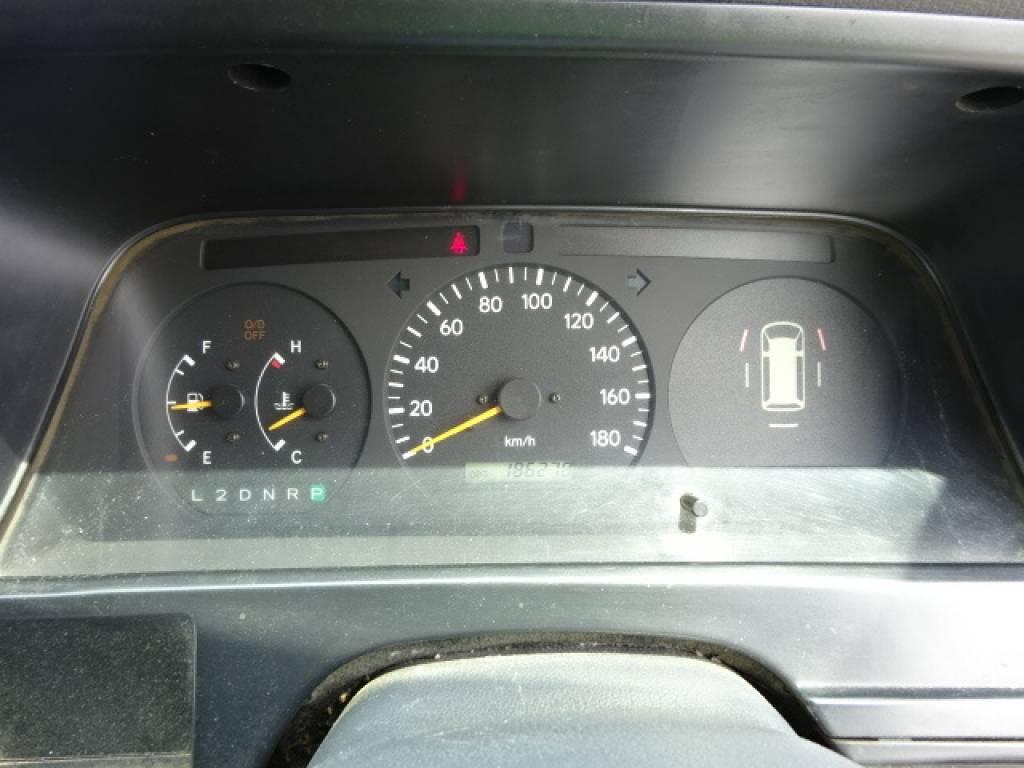 Used 2003 AT Toyota Regiusace Van RZH102V Image[26]