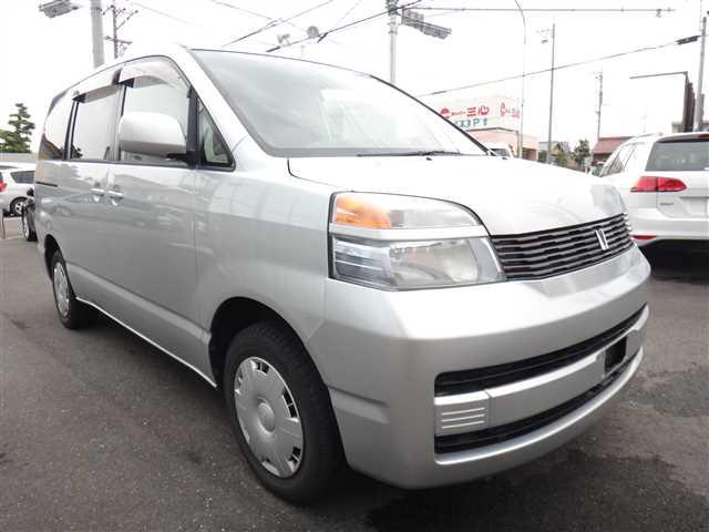 Used 2002 AT Toyota Voxy TA-AZR65G