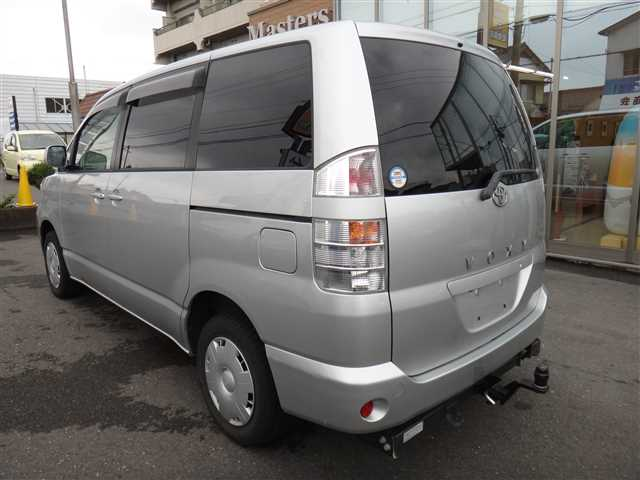 Used 2002 AT Toyota Voxy TA-AZR65G Image[3]