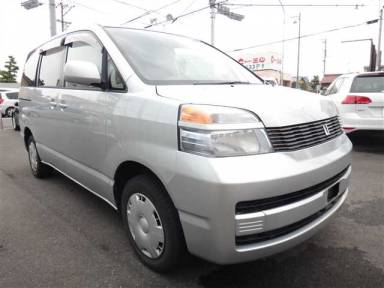 Toyota Voxy 2002 from Japan