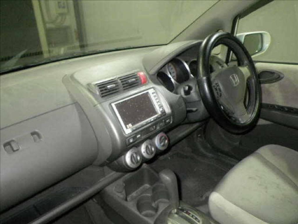 Used 2006 AT Honda Fit GD1 Image[2]