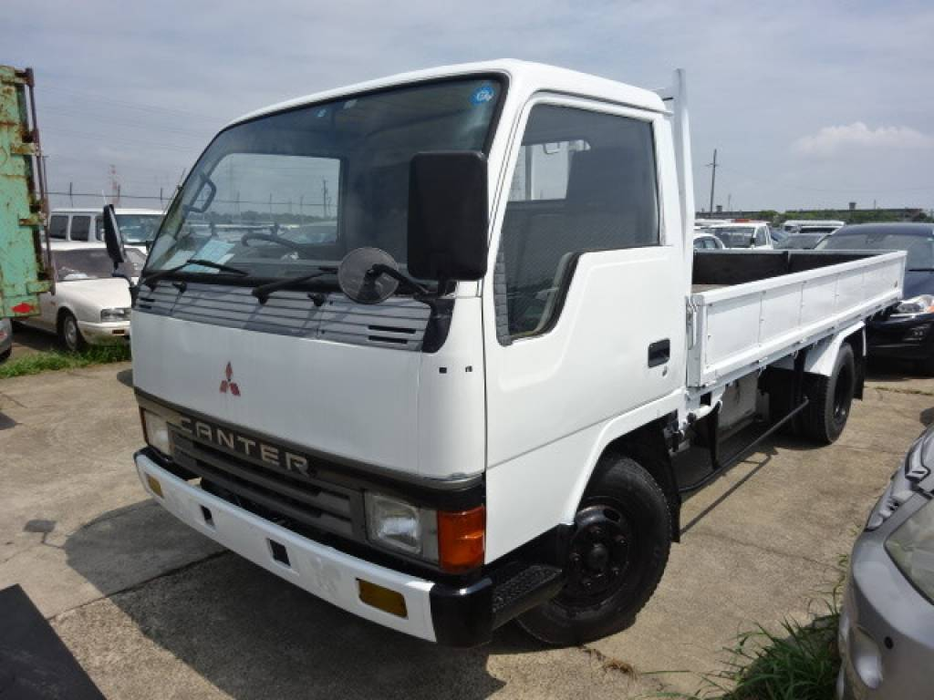 Used 1990 MT Mitsubishi Canter FE435E