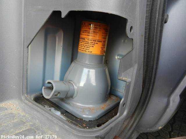 Used 2001 AT Nissan Caravan Van GE-VPE25 Image[25]
