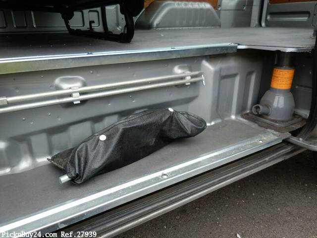 Used 2003 AT Nissan Caravan Van LC-VPE25 Image[26]