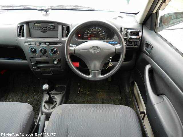 Used 2007 MT Toyota Probox Van CBE-NCP50V Image[16]