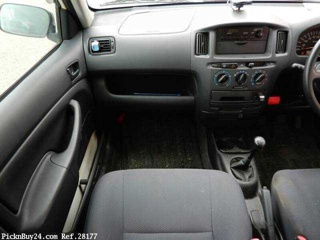 Used 2007 MT Toyota Probox Van CBE-NCP50V Image[17]