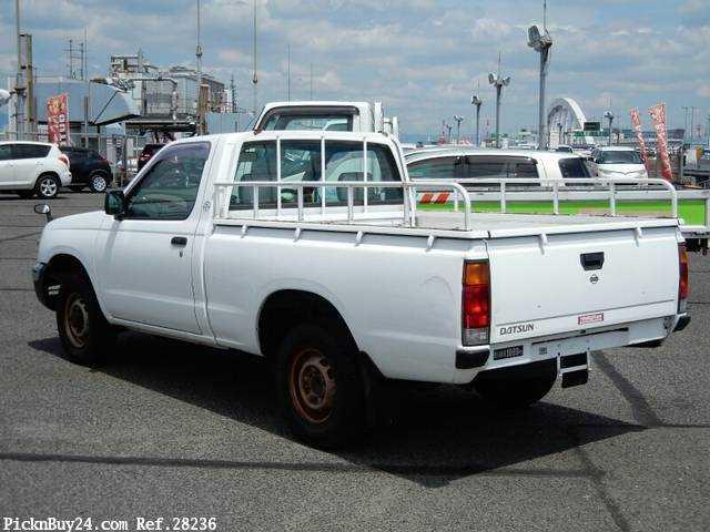 Used 2001 MT Nissan Datsun Pickup GC-PD22 Image[1]