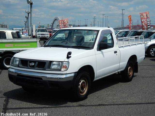 Used 2001 MT Nissan Datsun Pickup GC-PD22 Image[2]