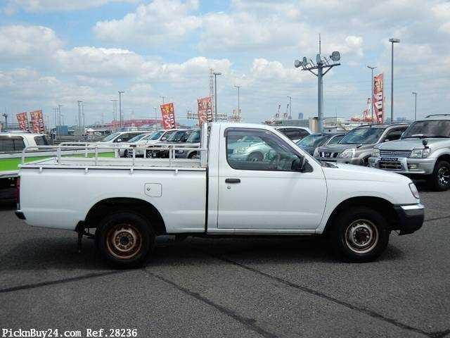 Used 2001 MT Nissan Datsun Pickup GC-PD22 Image[4]