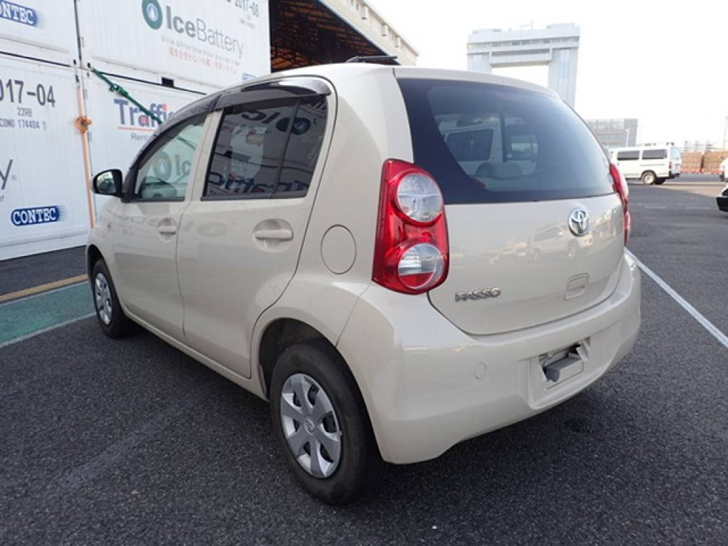 Used 2010 AT Toyota Passo KGC30 Image[3]