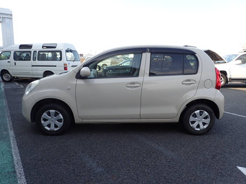 Used 2010 AT Toyota Passo KGC30 Image[5]