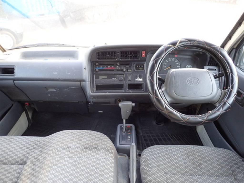 Used 1998 AT Toyota Hiace Van RZH112V Image[15]