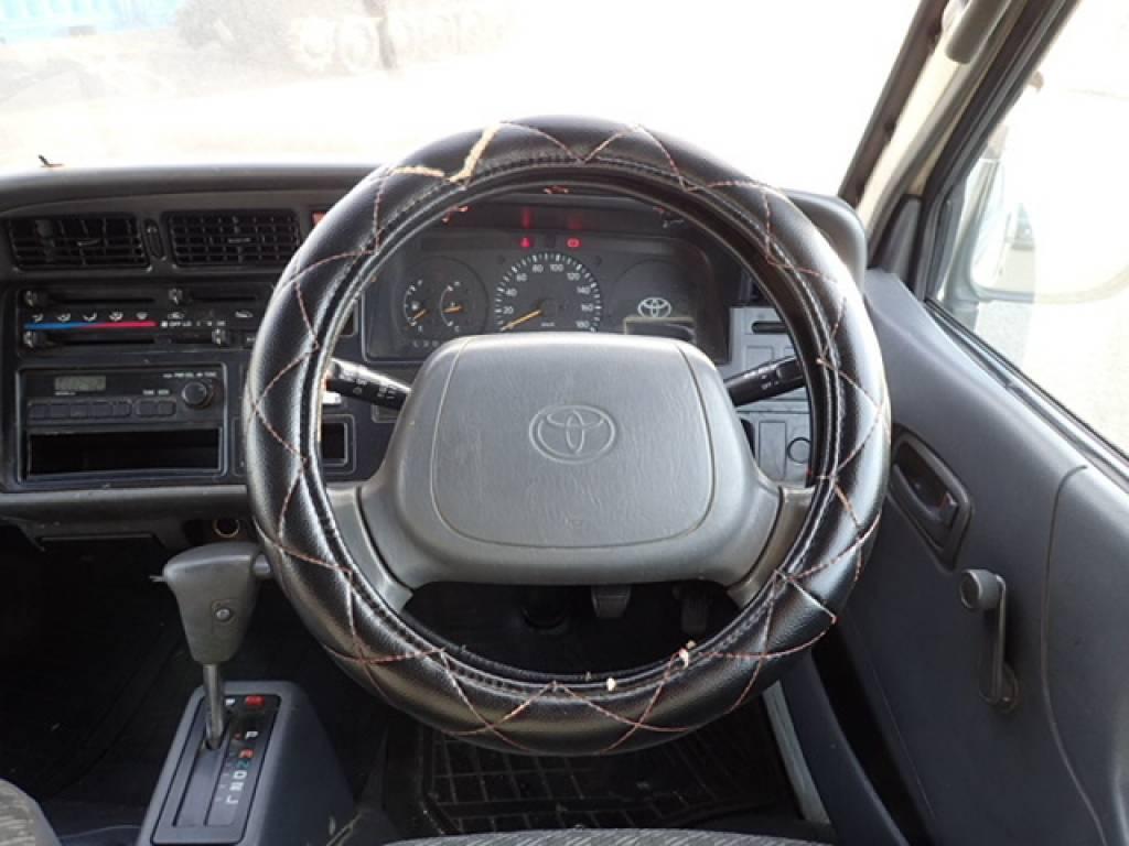 Used 1998 AT Toyota Hiace Van RZH112V Image[17]