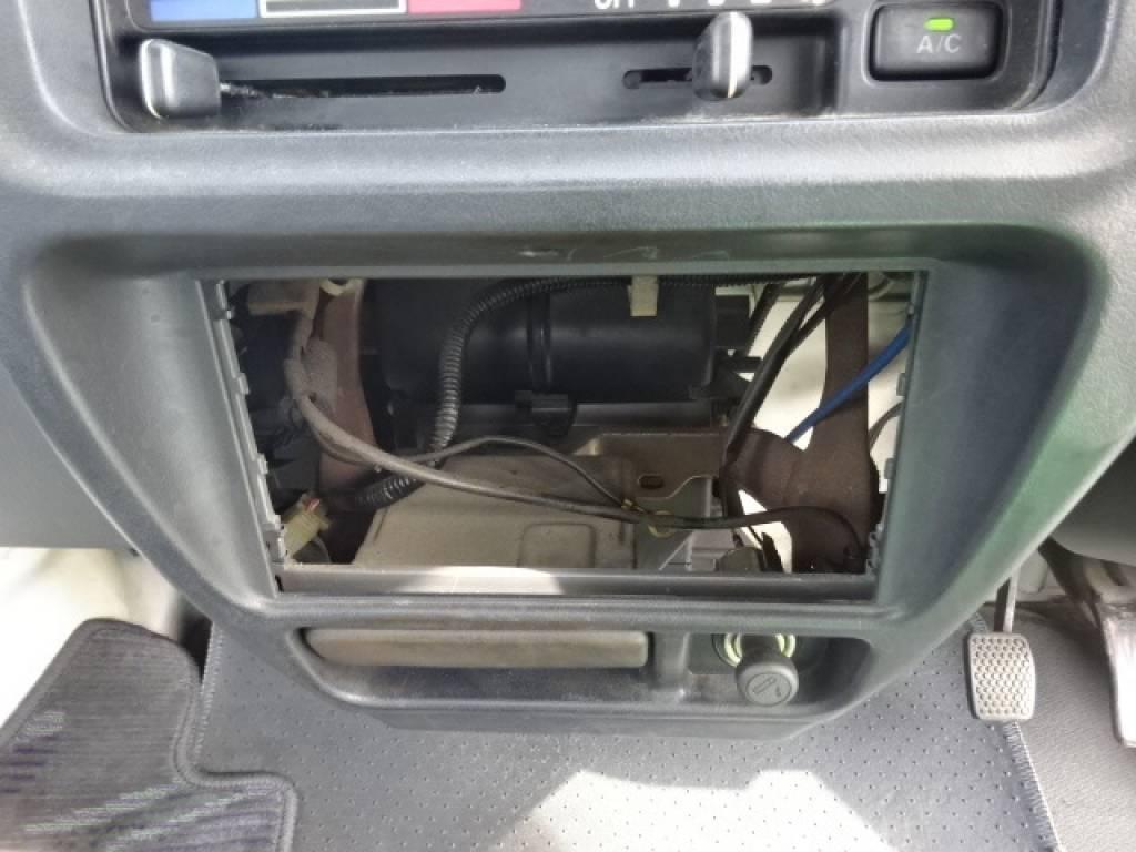 Used 1999 MT Suzuki Carry Truck DB52T Image[25]