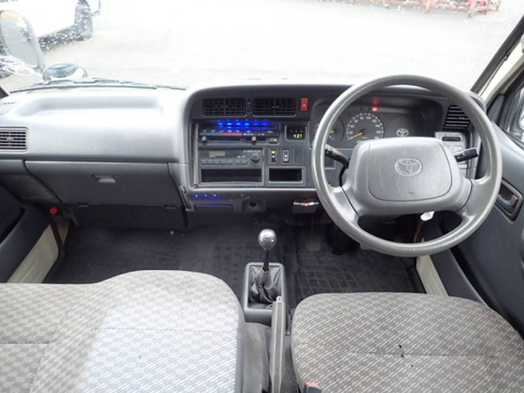 Used 2001 MT Toyota Hiace Van RZH112V Image[14]
