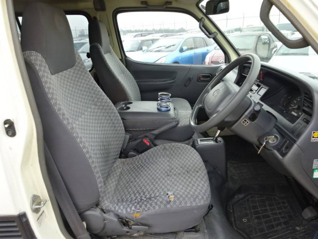 Used 2000 AT Toyota Hiace Van RZH102V Image[11]
