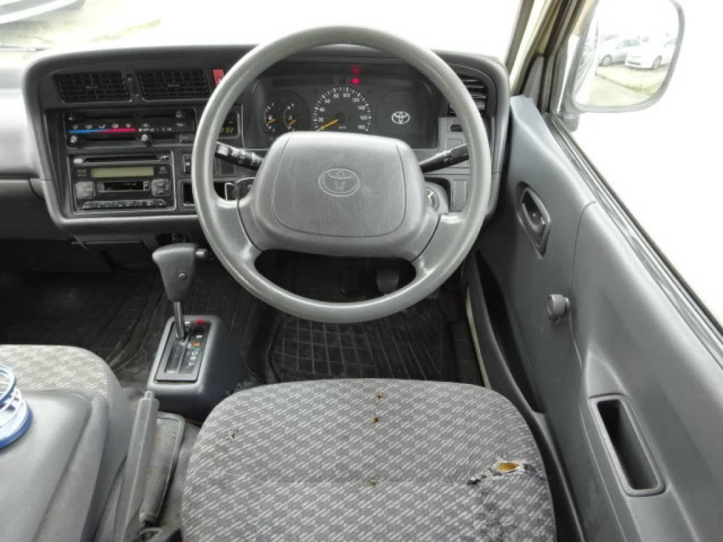Used 2000 AT Toyota Hiace Van RZH102V Image[13]