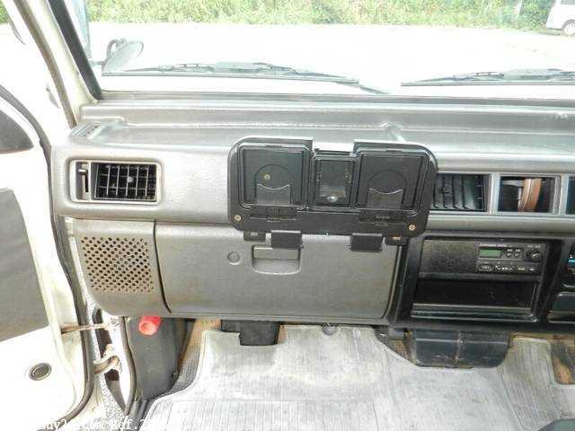Used 1999 MT Mitsubishi Delica Truck GA-P02T Image[17]