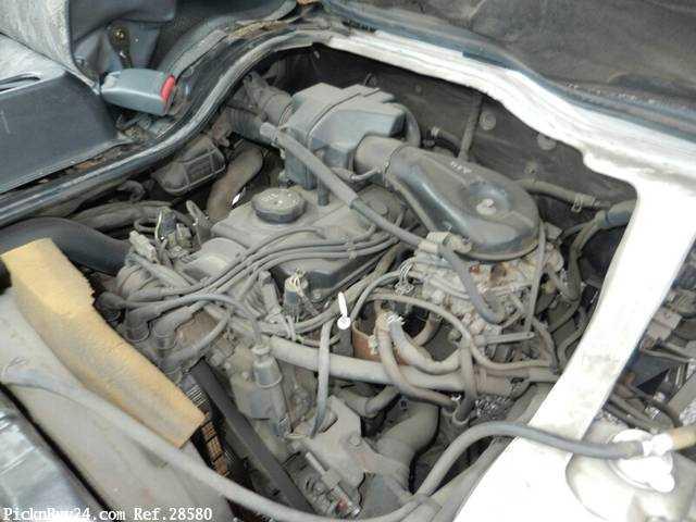 Used 1999 MT Mitsubishi Delica Truck GA-P02T Image[22]
