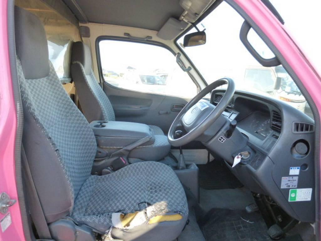 Used 2003 MT Toyota Hiace Van TRH112V Image[11]