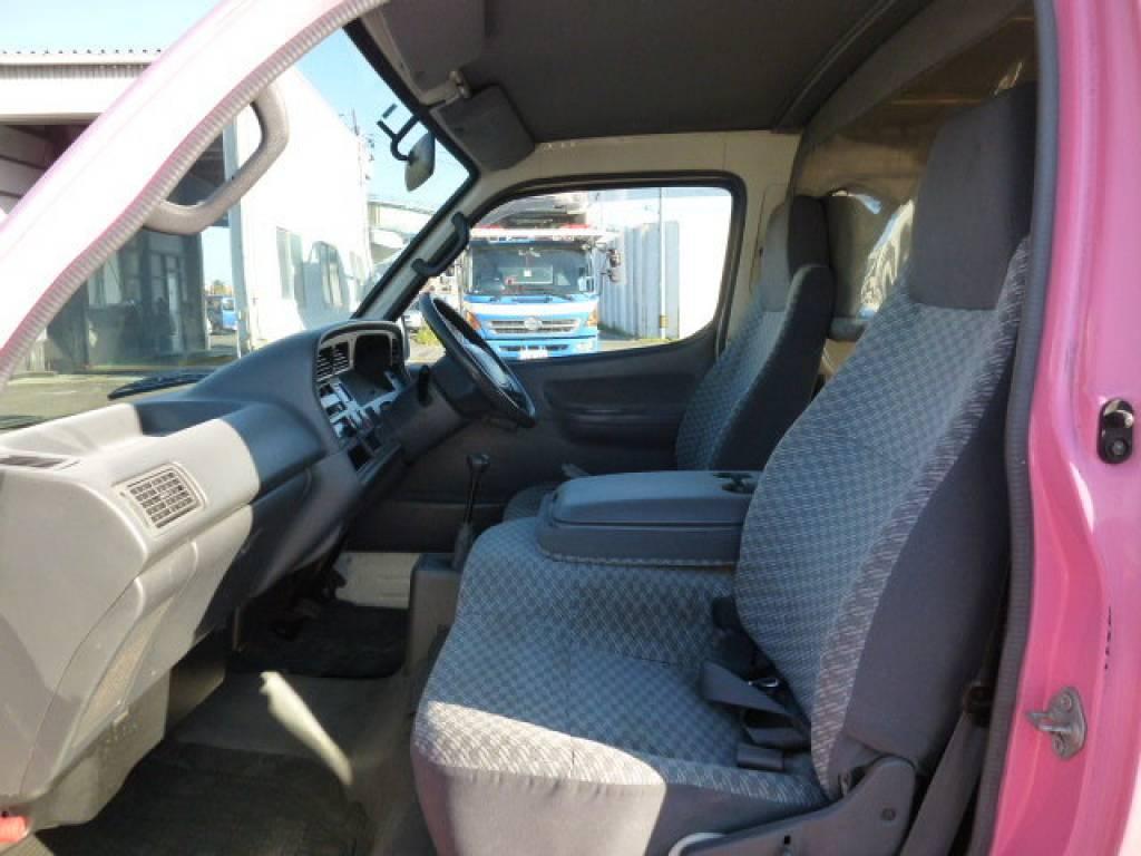 Used 2003 MT Toyota Hiace Van TRH112V Image[12]