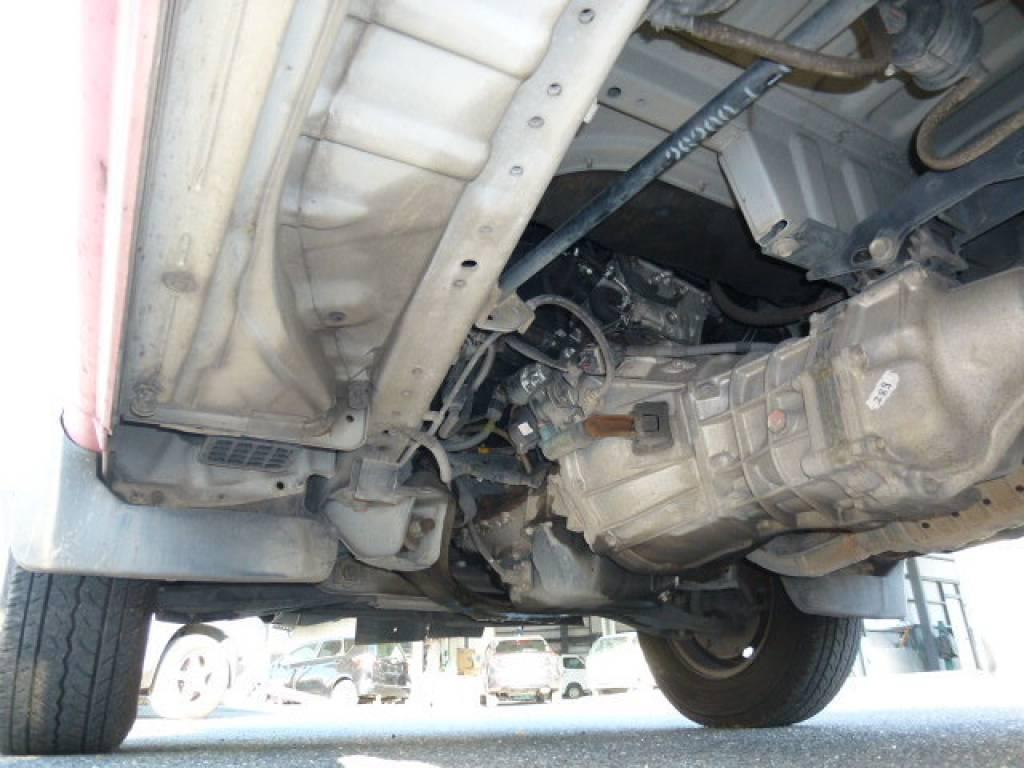 Used 2003 MT Toyota Hiace Van TRH112V Image[19]