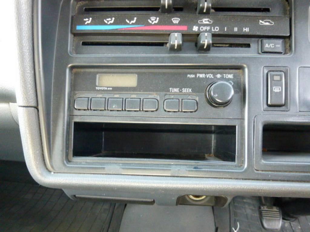Used 2003 MT Toyota Hiace Van TRH112V Image[27]