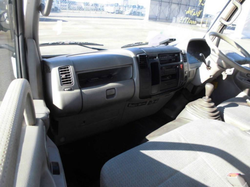 Used 1999 MT Toyota Dyna Root Van BU306V Image[9]