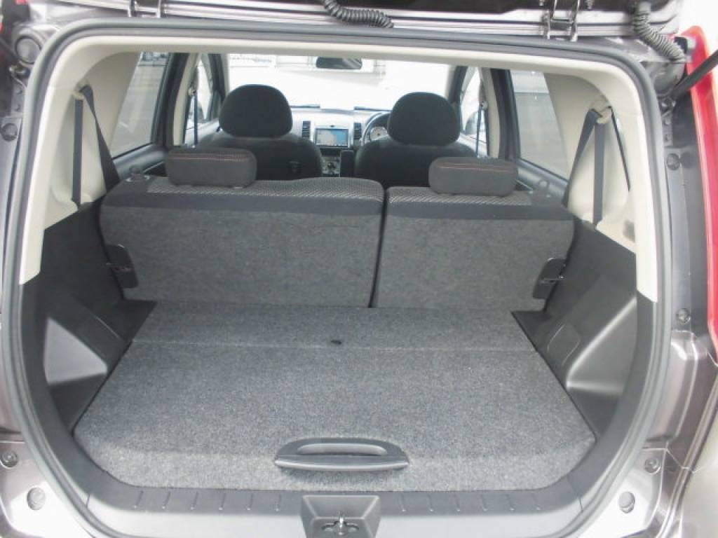 Used 2008 AT Nissan Note E11 Image[16]