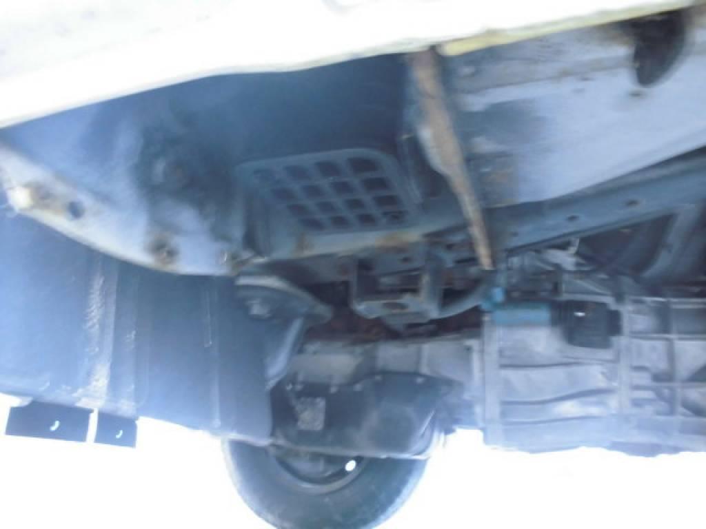 Used 2004 MT Toyota Hiace Van TRH112V Image[14]