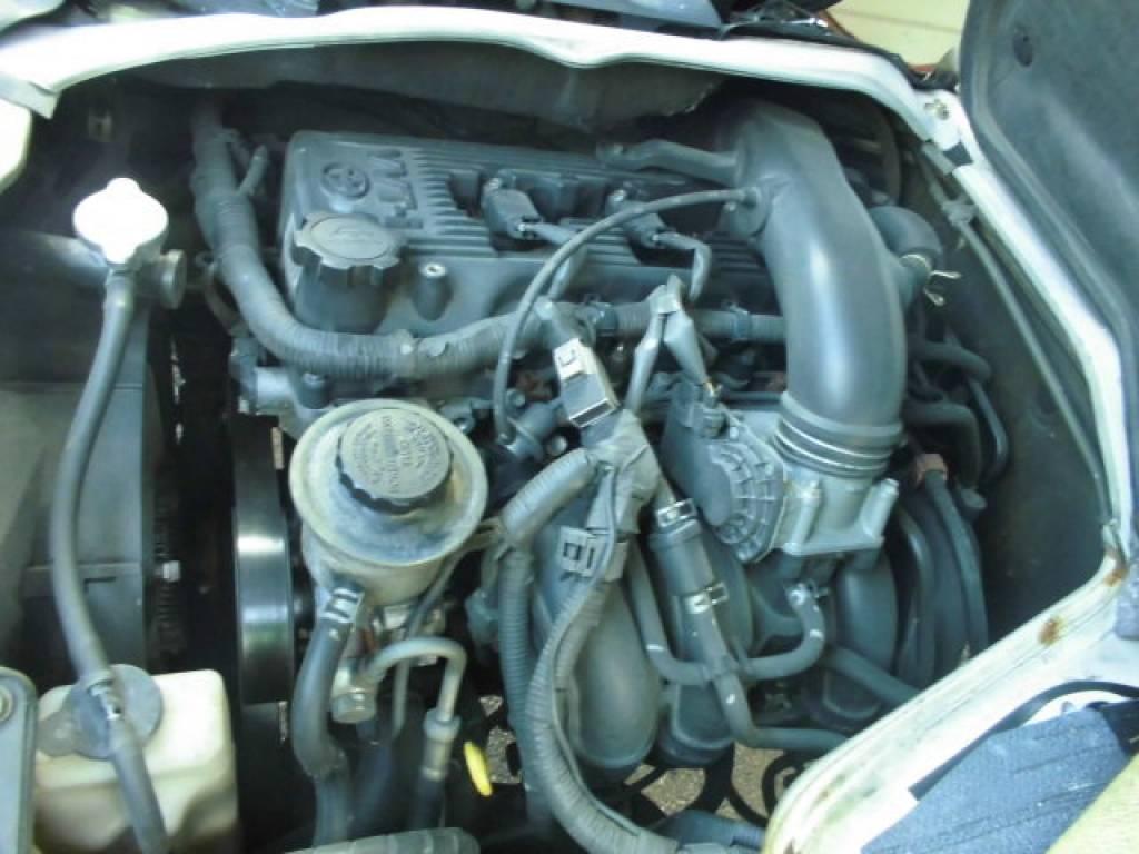 Used 2004 MT Toyota Hiace Van TRH112V Image[27]