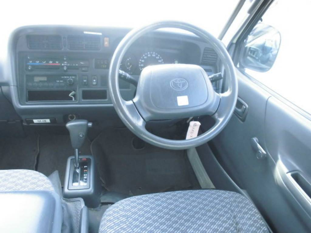 Used 2003 AT Toyota Hiace Commuter TRH124-0001694 Image[9]