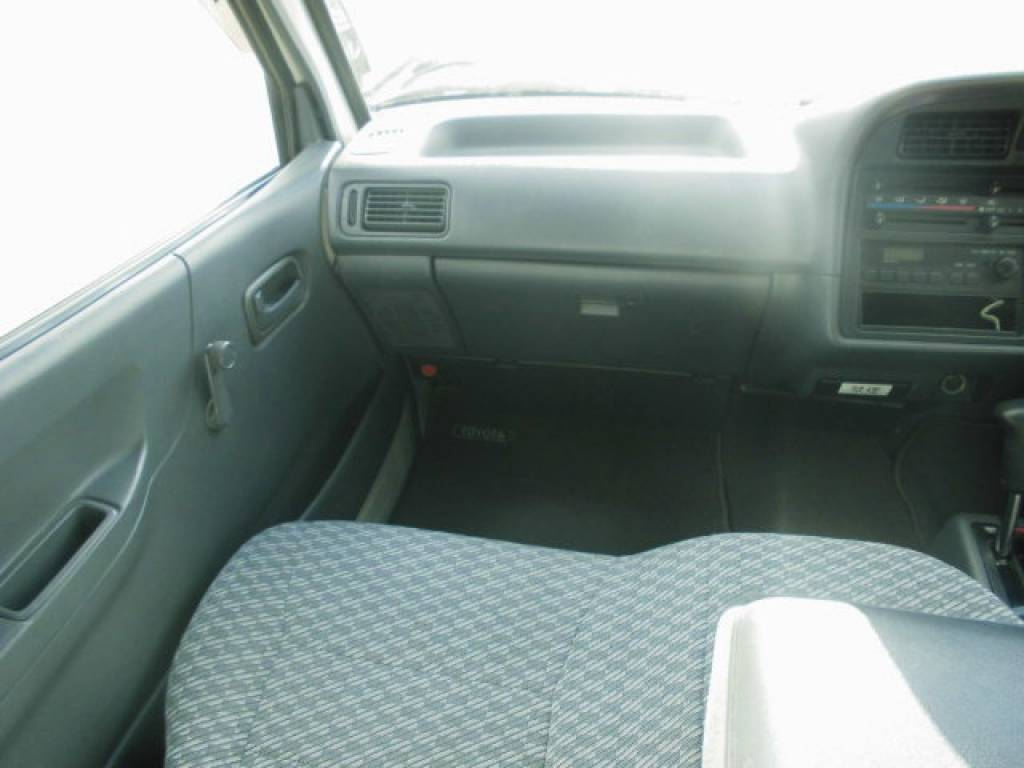 Used 2003 AT Toyota Hiace Commuter TRH124-0001694 Image[11]