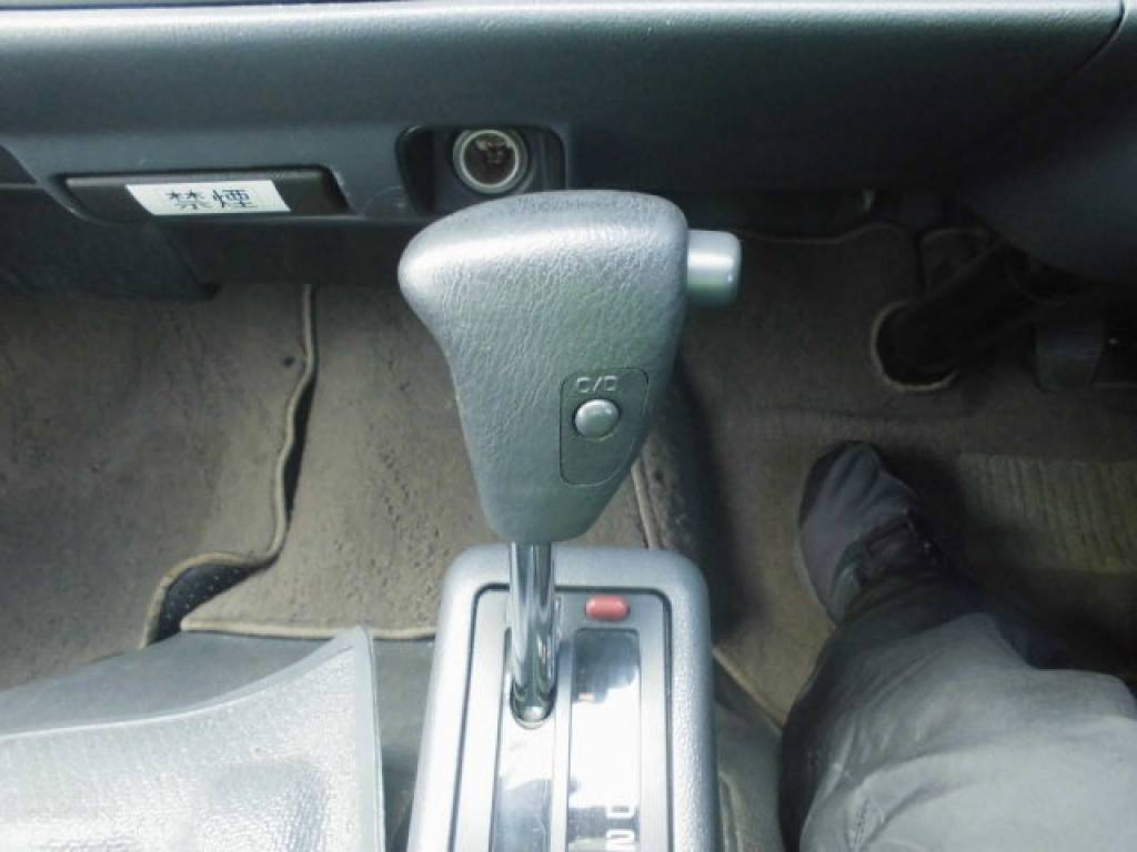 Used 2003 AT Toyota Hiace Commuter TRH124-0001694 Image[15]